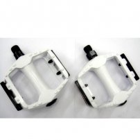 One-Piece Universal Bicycle Bike Pedals (1 pair) with Built-in Reflectors