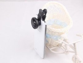 Cloth-Clip 0.4X Wide Angle Lens for Camera Phones / Tablets (iPhone / iPad / Galaxy Phones)