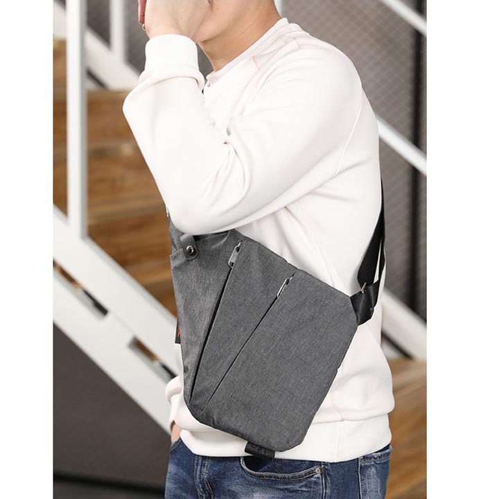 Lightweight Anti Theft Chest Pack / Portable Messenger Bag / Crossbody, Shoulder bag / Waist Bag